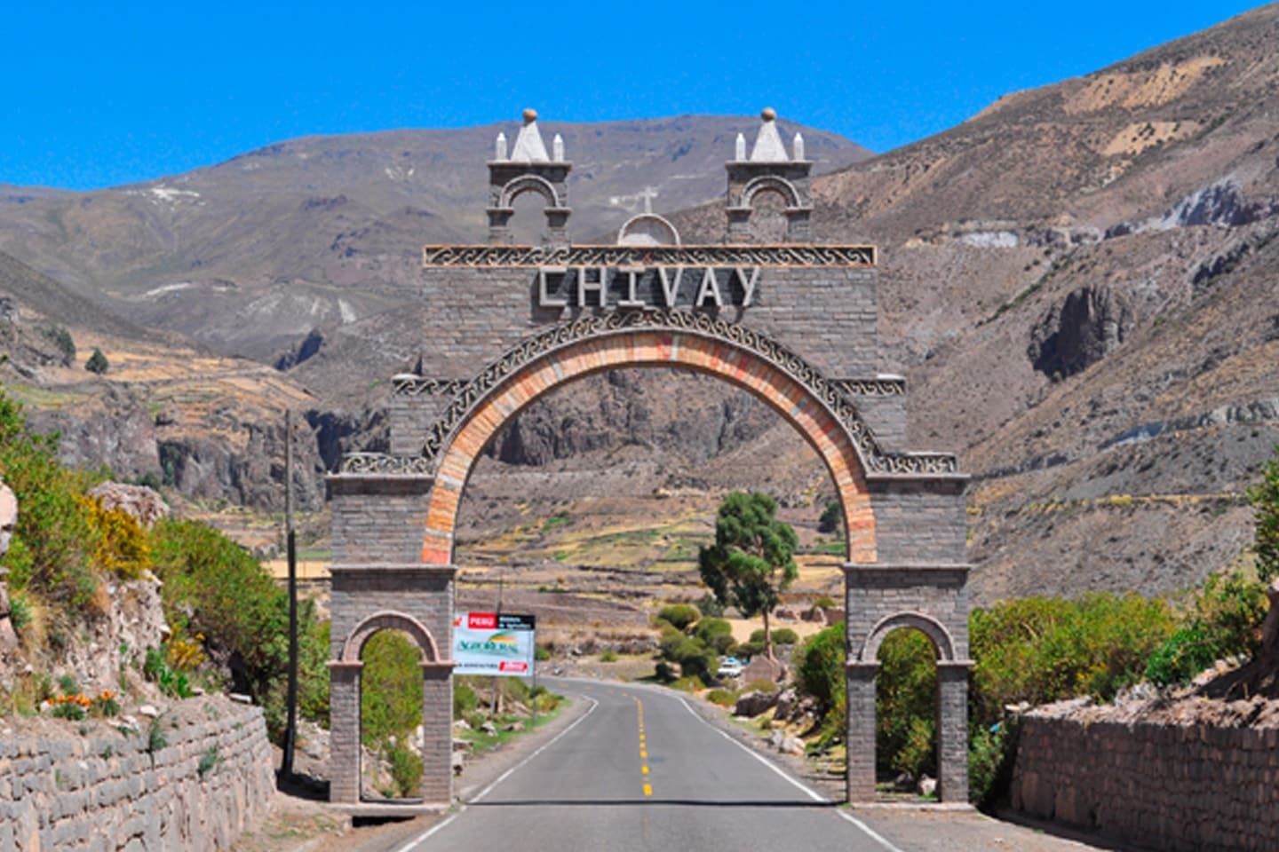 Chivay, Colca, Canyon, Caylloma, Valley - 4M Express Bus Peru