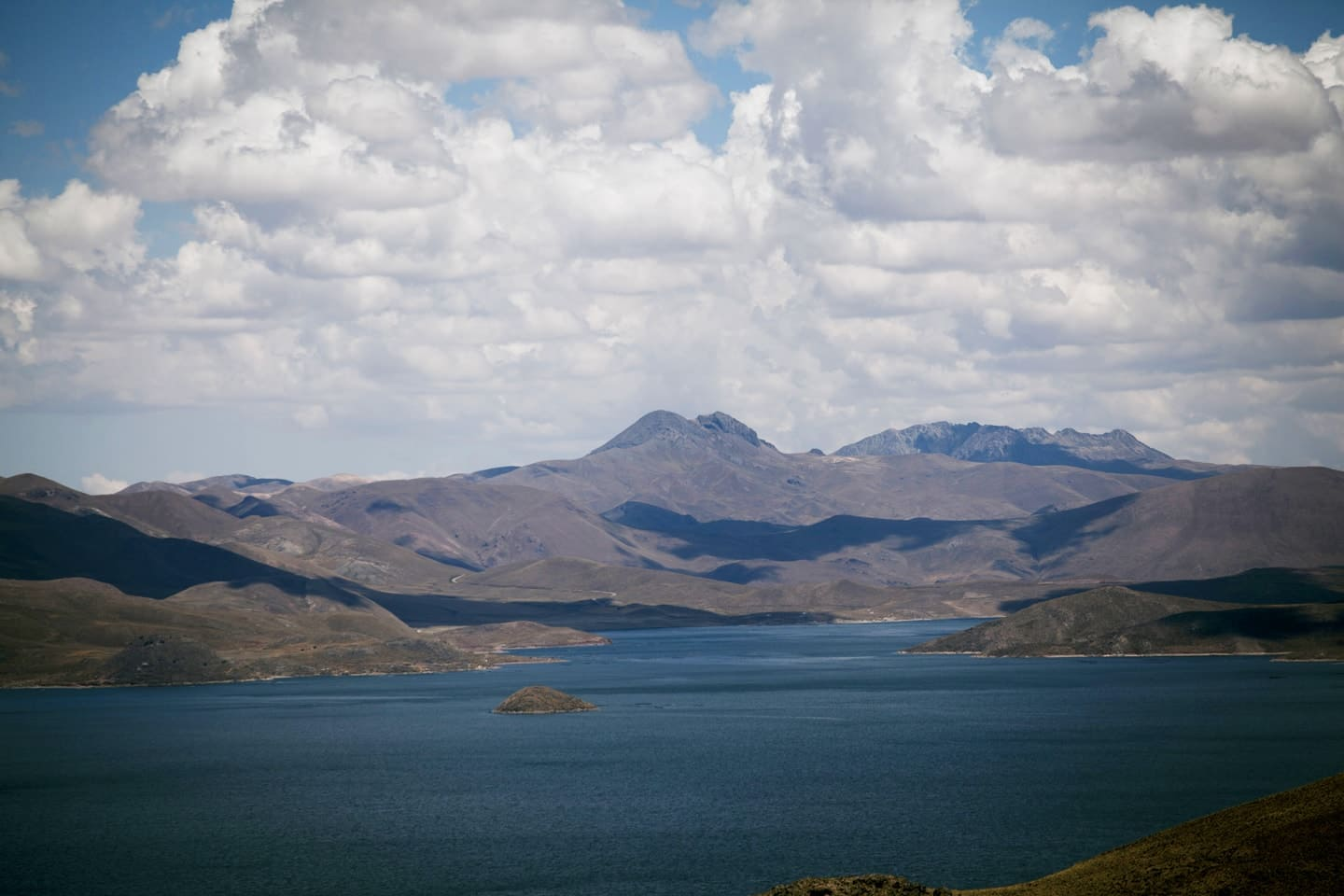 Lagunillas set of lagoons a landascape in Peru with 4M Express bus